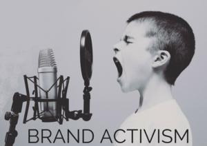allegoira del brand activism: bambino che parla al microfono